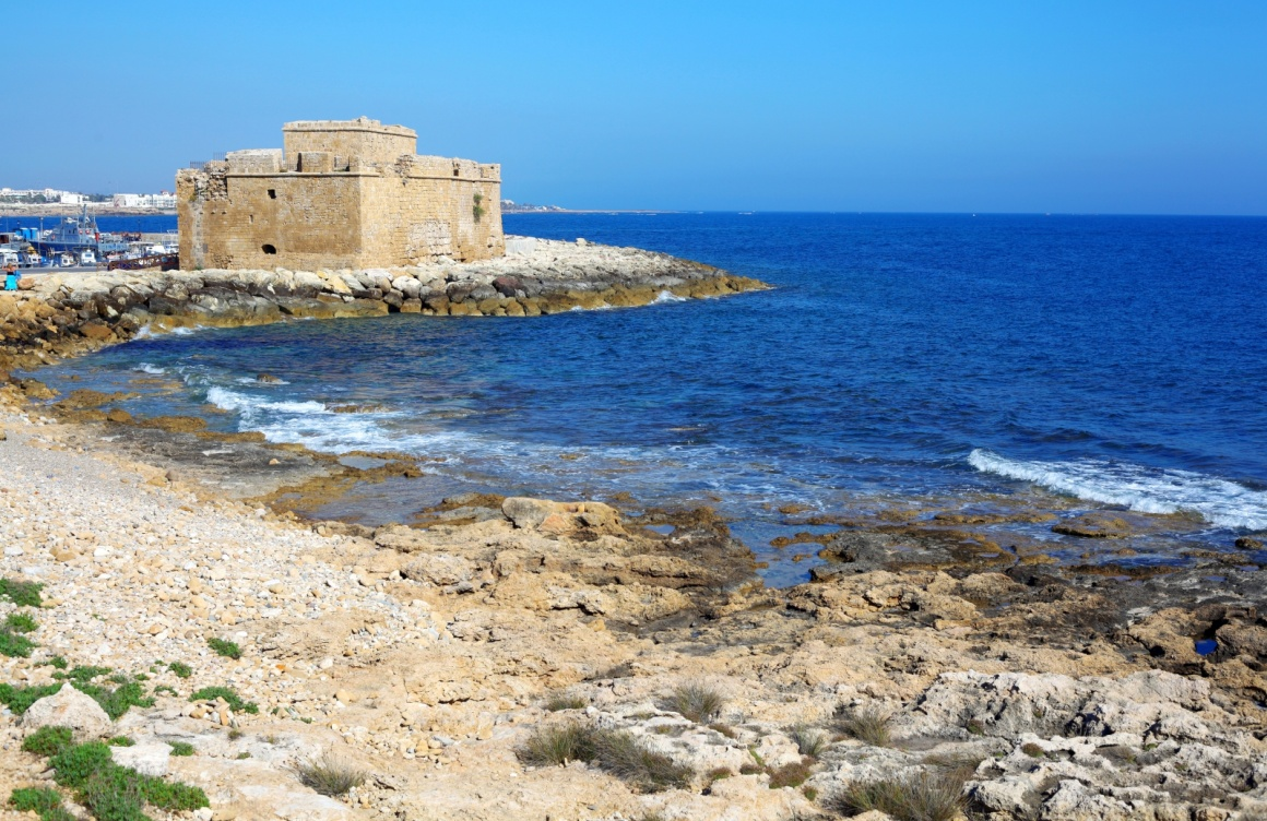 'Medieval fortification of Pafos bay, Cyprus' - Zypern